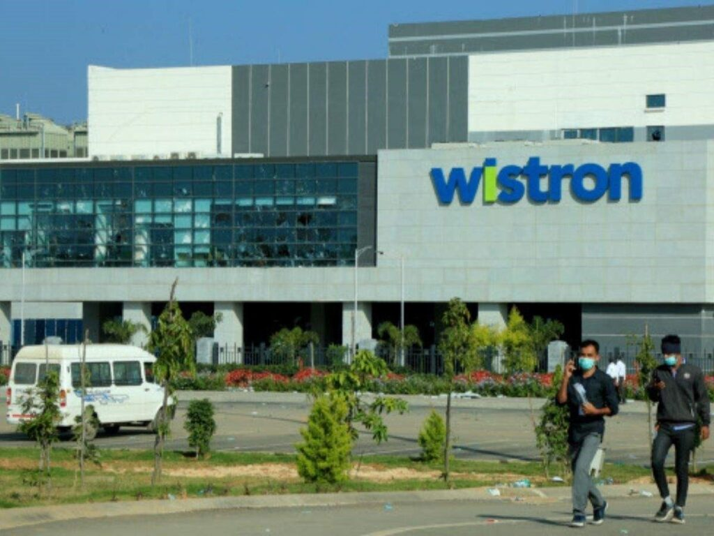 Apple, Wistron admit the lapses in payments to workers in Karnataka