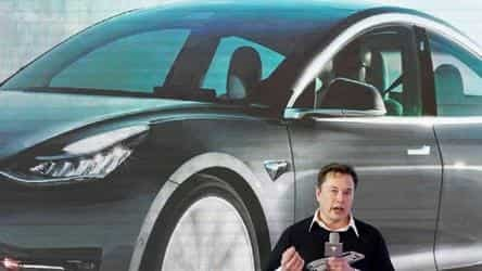 Elon Musk says it's 'impossible' to take Tesla private