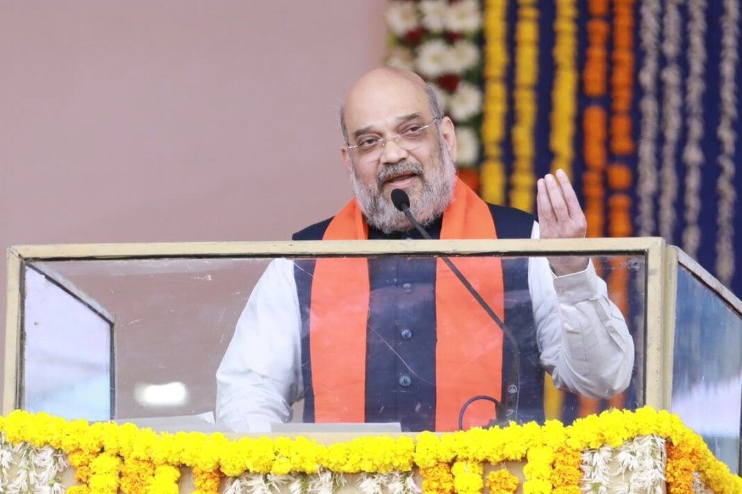 Amit Shah : Vaccination drive going well; world surprised !