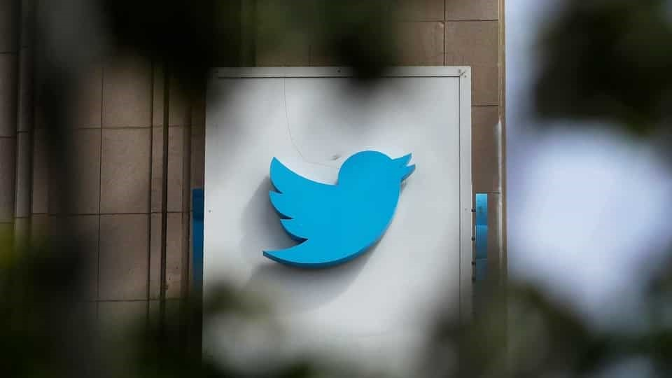 Twitter to add more labels identifying world leader and government accounts