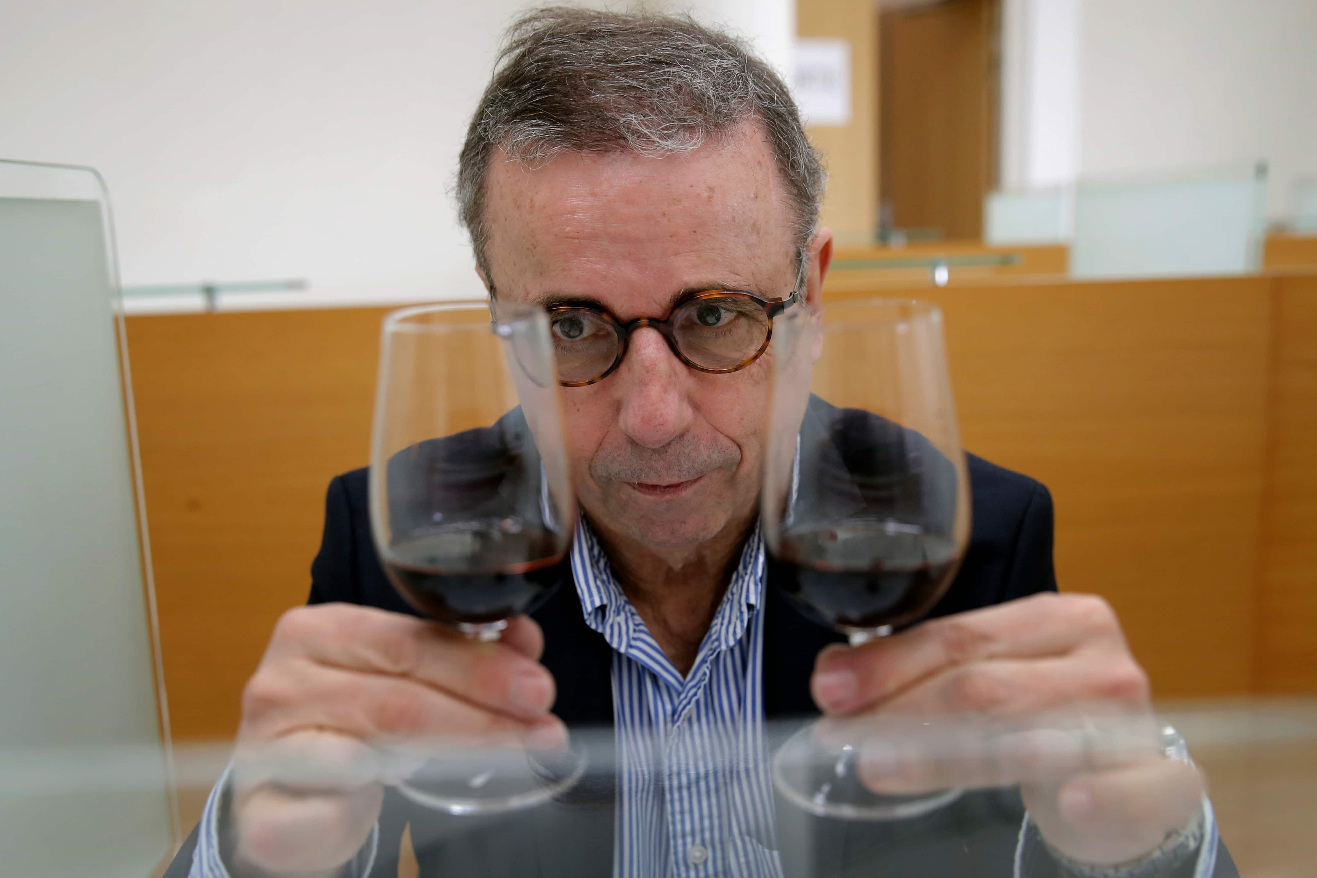 In a one-of-a-kind tasting, connoisseurs drink wine that spent a year in space