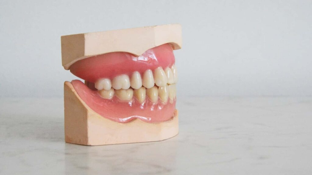 People with severe gum infection have increased blood pressure: Study
