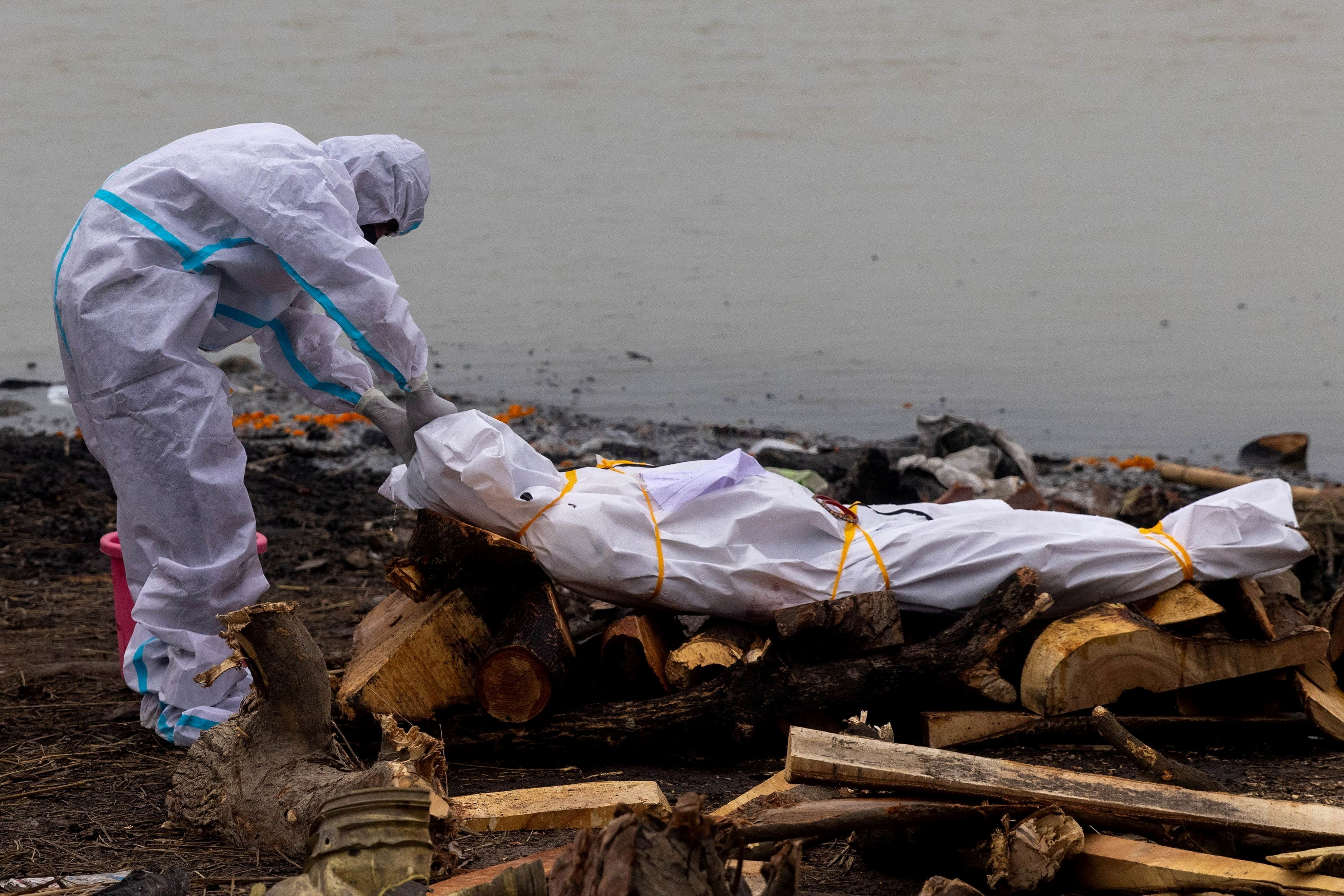 Bodies of Covid-19 victims among those dumped in Ganga river: Govt