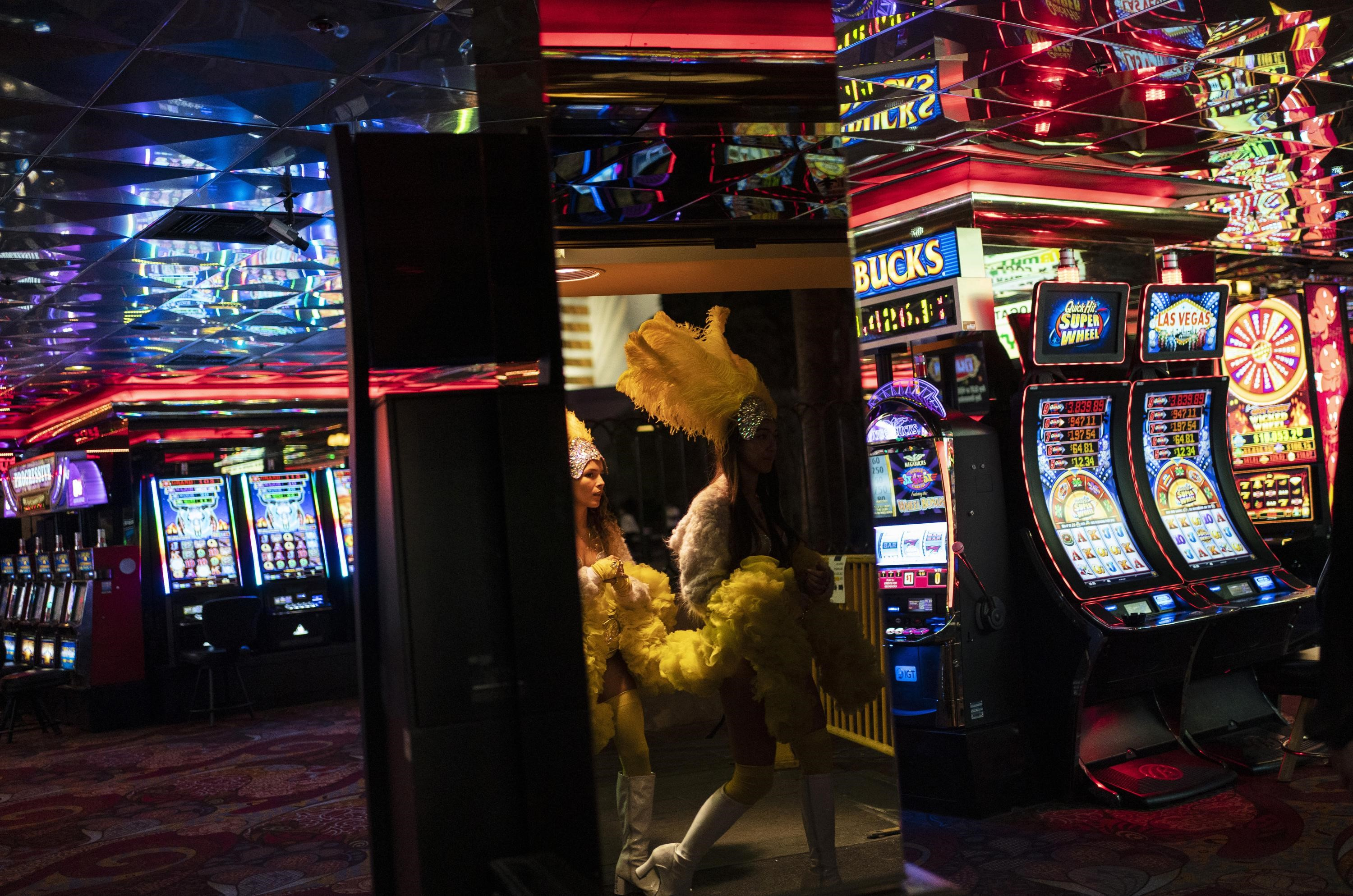 Coronavirus: Las Vegas Strip rules to end for vaccinated