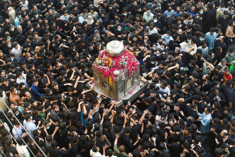Pakistan Mosques full despite the third wave of Covid