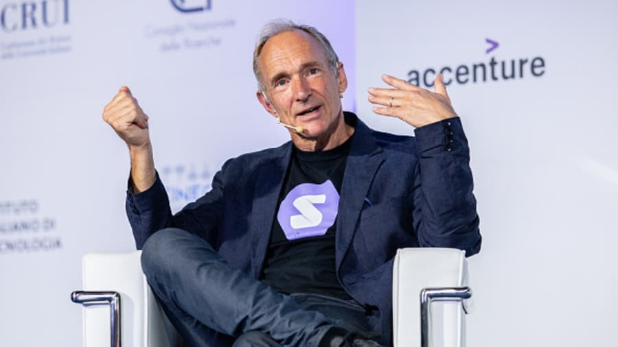 World Wide Web source code, written by Tim Berners-Lee, up for auction as NFT
